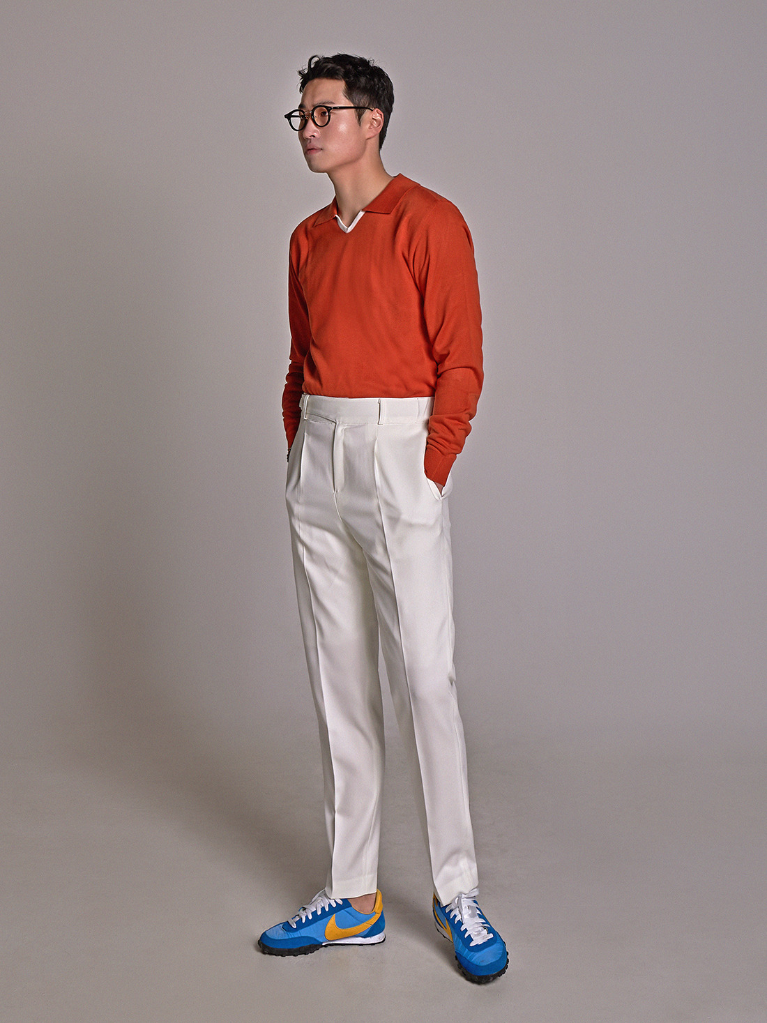One tuck cozy pants white